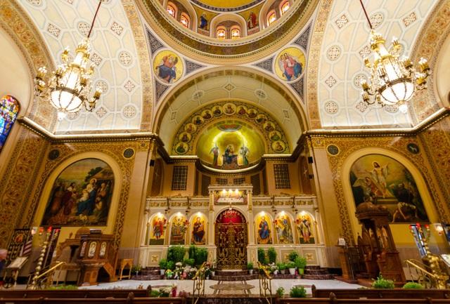 Thực hư tranh Đức Mẹ đồng trinh Mary khóc vì nhà thờ có nguy cơ bị đóng cửa? - 3