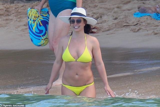 Britney vui vẻ đi tắm biển tại Hawaii - 6
