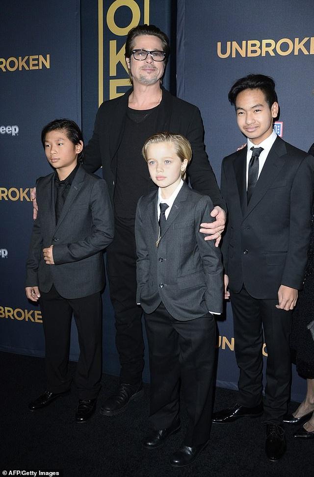 Maddox nói gì về mối quan hệ xa cách với cha nuôi Brad Pitt? - 1