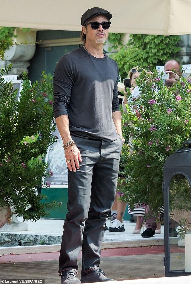 Maddox nói gì về mối quan hệ xa cách với cha nuôi Brad Pitt? - 2