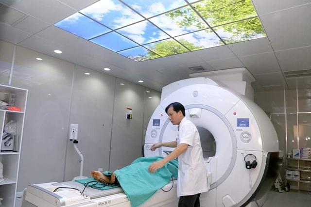 Hệ thống máy hiện đại nhất Việt Nam giảm tia X độc hại, thấy rõ từng mạch máu - 2