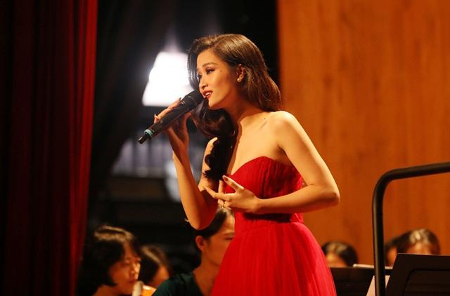 Đông Nhi phấn khích khi được hát cùng dàn nhạc giao hưởng - 5