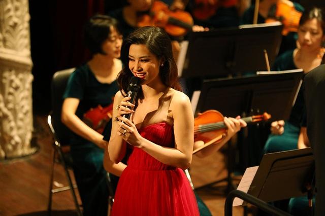 Đông Nhi phấn khích khi được hát cùng dàn nhạc giao hưởng - 2
