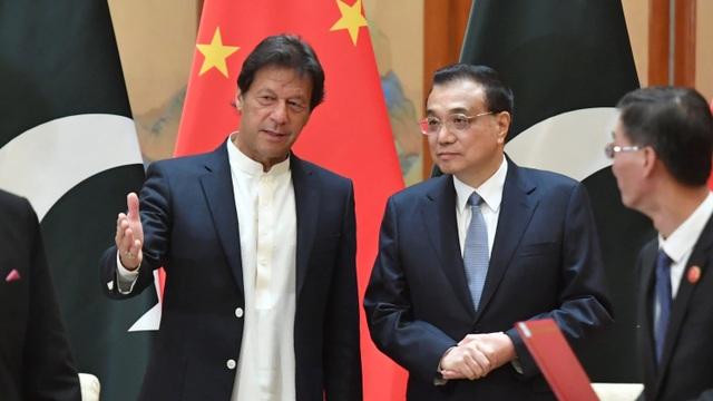 """Nợ Trung Quốc chồng chất, Pakistan """"hãm phanh"""" dự án Vành đai và Con đường - 1"""
