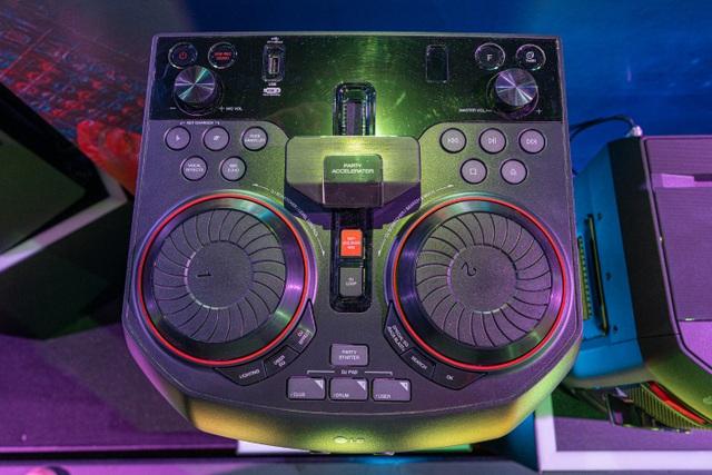 Lựa chọn thiết bị âm thanh phù hợp cho bữa tiệc ngoài trời - 5