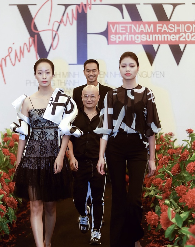 """Người mẫu quá khổ lên sàn diễn và cuộc chơi """"độc - đẹp"""" của thời trang thuần Việt - 9"""