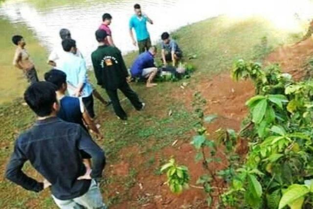 Đi chăn trâu phát hiện thi thể người đàn ông nổi trên mặt hồ - 1