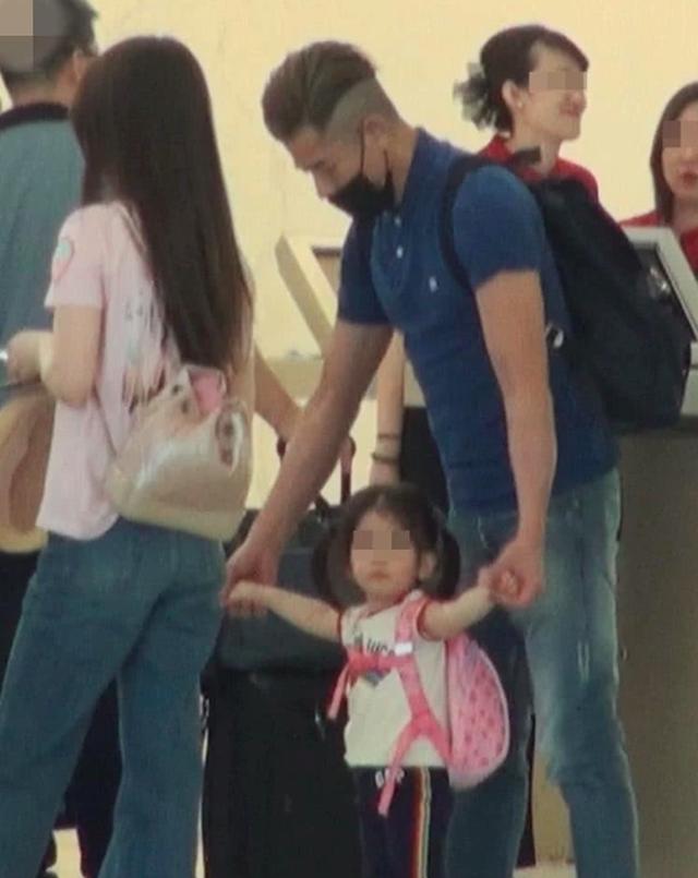 Hình ảnh ngọt ngào của Quách Phú Thành bên con gái - 3