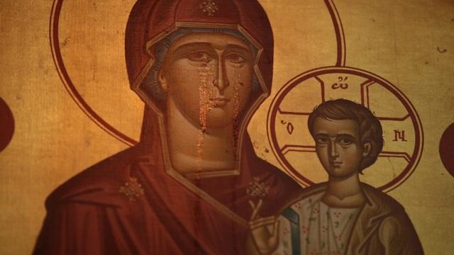 Thực hư tranh Đức Mẹ đồng trinh Mary khóc vì nhà thờ có nguy cơ bị đóng cửa? - 1