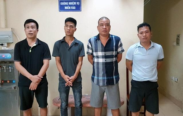 """Hà Nội: Phá ổ nhóm cho vay lãi """"cắt cổ"""", thu nhiều dao, súng - 1"""