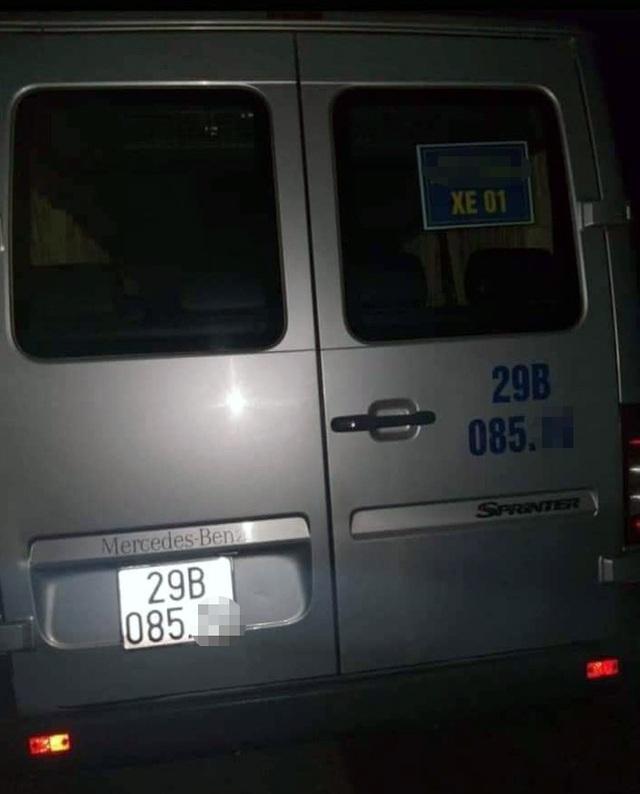 Hà Nội: Tài xế gục chết trong xe đưa đón học sinh, nghi do sốc ma túy - 1