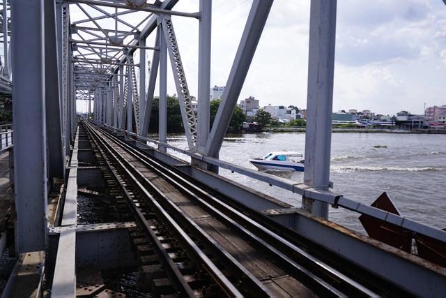 Cầu đường sắt trăm tuổi chính thức trở thành chứng nhân lịch sử của Sài Gòn - 5