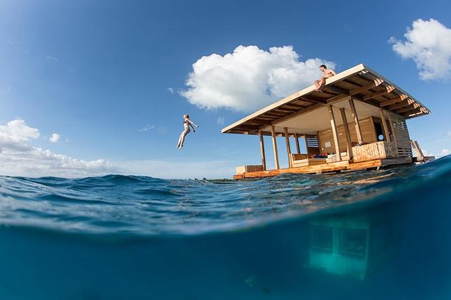 Khách sạn nửa nổi nửa chìm nằm giữa biển khơi - 2