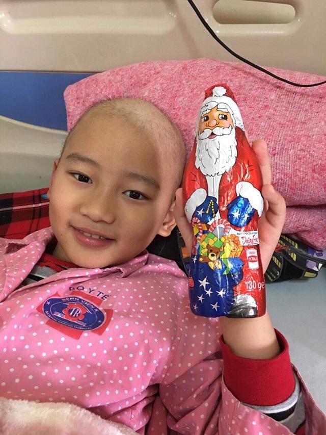 """""""Chiến binh nhí"""" 10 tuổi thâm niên 6 năm chiến đấu với ung thư - 2"""