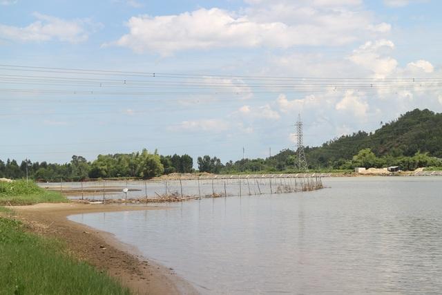Đà Nẵng: Người dân lấn sông Cu Đê nuôi tôm trái phép - 3