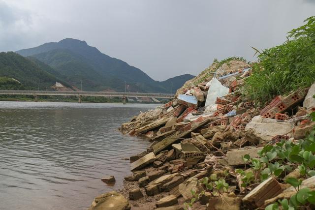 Đà Nẵng: Người dân lấn sông Cu Đê nuôi tôm trái phép - 4