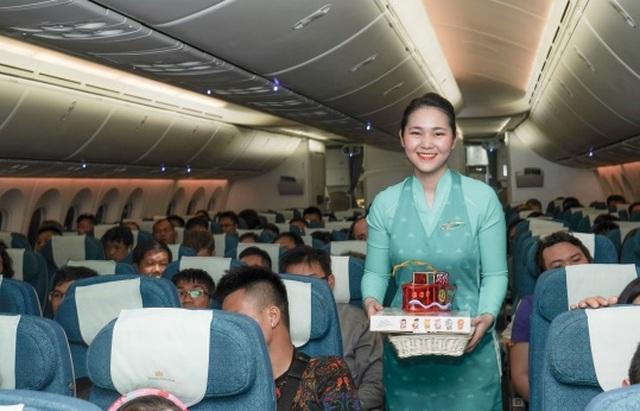 Tết Trung Thu của những nhóc tỳ đáng yêu trên máy bay - 2