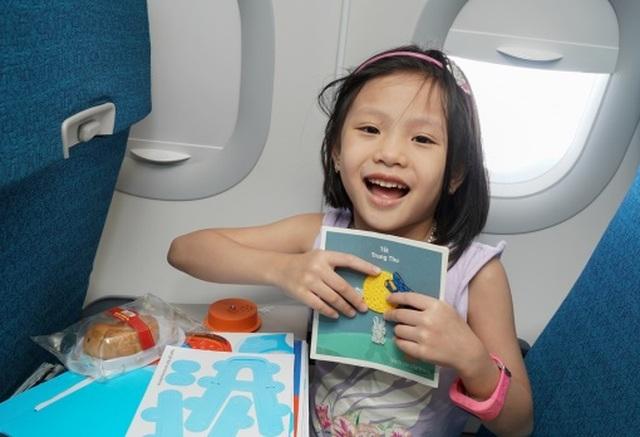 Tết Trung Thu của những nhóc tỳ đáng yêu trên máy bay - 6