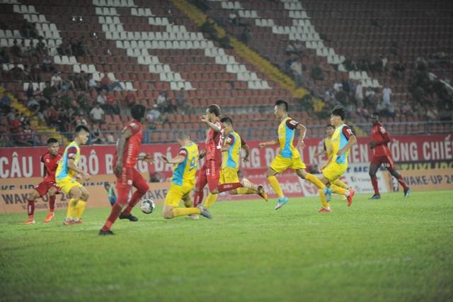 Giành 1 điểm trước CLB Hải Phòng, CLB Khánh Hòa chưa thoát hiểm - 1
