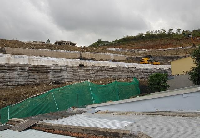Sau nhiều tranh cãi, bức tường khủng đe dọa nhà dân ở Nha Trang đã tháo xong - 7