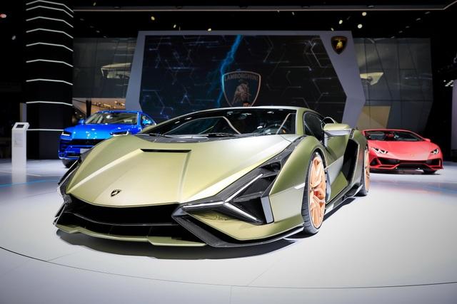 Cận cảnh siêu xe hybrid đầu tiên của Lamborghini  - 3