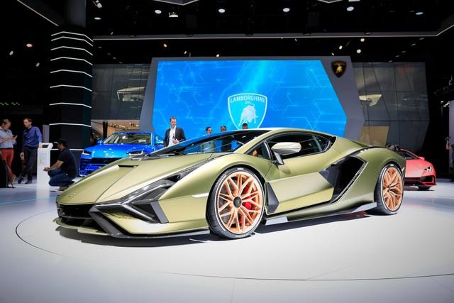 Cận cảnh siêu xe hybrid đầu tiên của Lamborghini  - 4