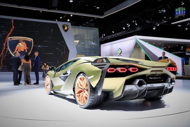 Cận cảnh siêu xe hybrid đầu tiên của Lamborghini  - 7
