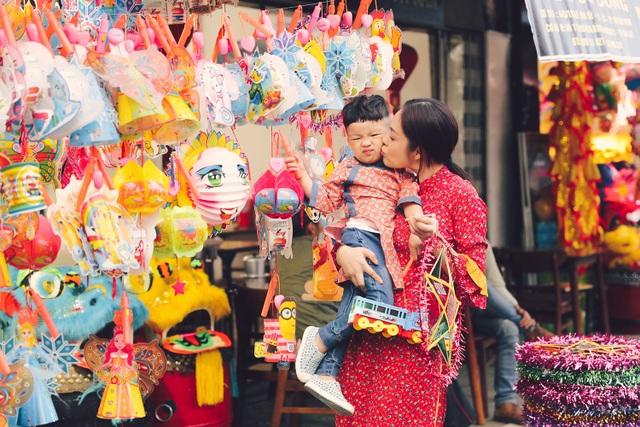 Làm mẹ đơn thân, Dương Cẩm Lynh cố vun vén cho con một tuổi thơ êm đẹp - 2