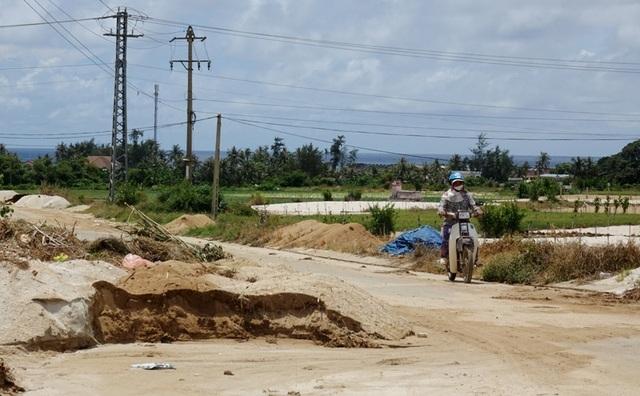 Đảo tiền tiêu bí nơi đổ đất thải - 3