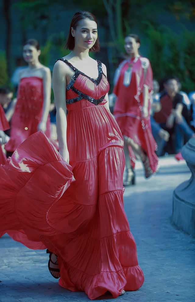 Khi Đại sứ Italia trót phải lòng thời trang Việt - 18