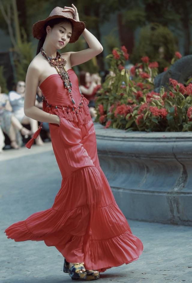 Khi Đại sứ Italia trót phải lòng thời trang Việt - 22