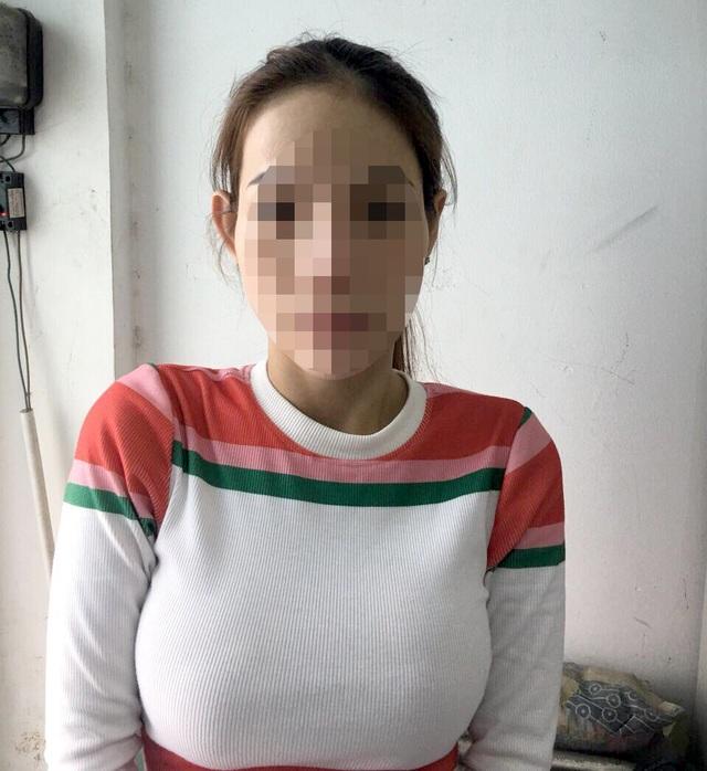 Nữ tiếp viên nhà hàng bán dâm trong khách sạn trung tâm Sài Gòn - 2