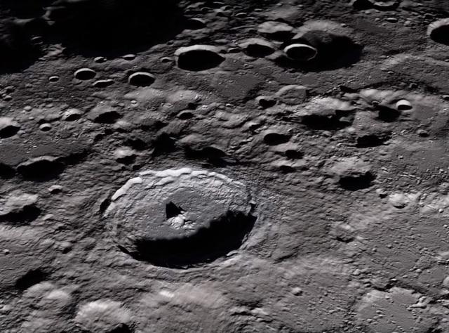 """Không ai biết tàu đổ bộ mặt trăng của Ấn Độ còn """"sống"""" hay không - 1"""