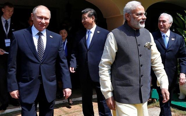 Ấn Độ-Trung Quốc lạnh nhạt, Nga cố gắng nồng ấm với cả hai - 1