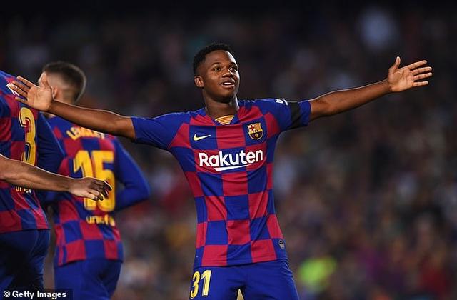 Barcelona 5-2 Valencia: Cú đúp của Luis Suarez - 2