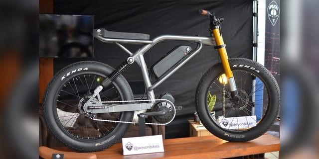 Soi chi tiết chiếc xe đạp điện cá tính, linh hoạt bậc nhất Le Cafe Racer - 11