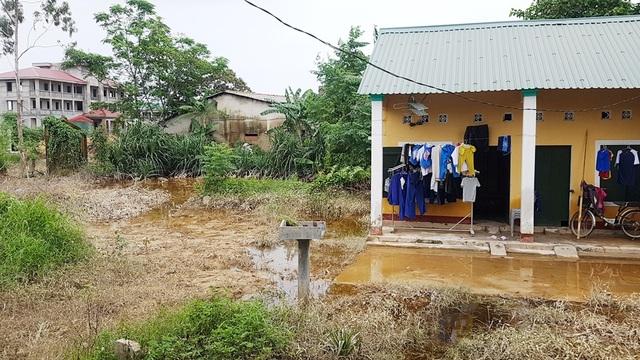 Công trình của Bộ Chỉ huy Quân sự tỉnh Thừa Thiên Huế gây ngập lụt đường sắt Bắc Nam! - 7