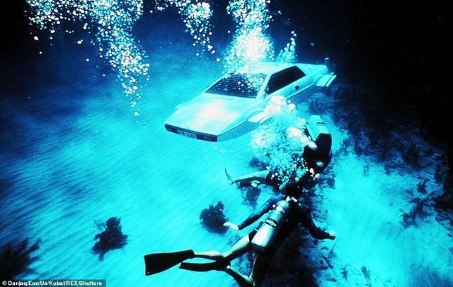 """Hải quân Anh thử nghiệm tàu ngầm của """"điệp viên 007"""" - 5"""