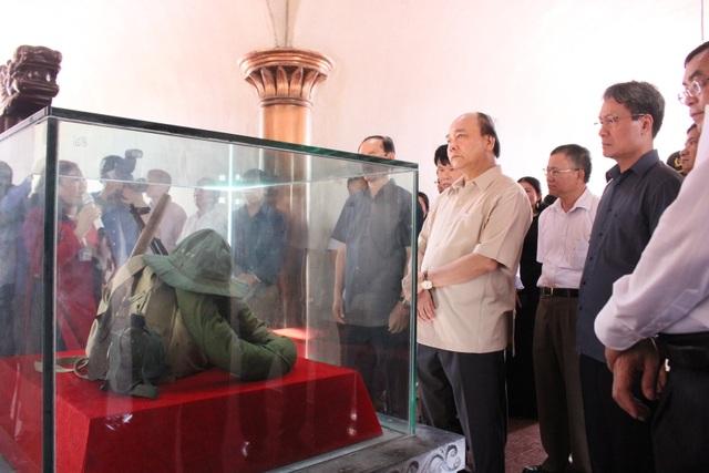 Thủ tướng dâng hương tri ân các liệt sĩ tại Thành cổ Quảng Trị - 2