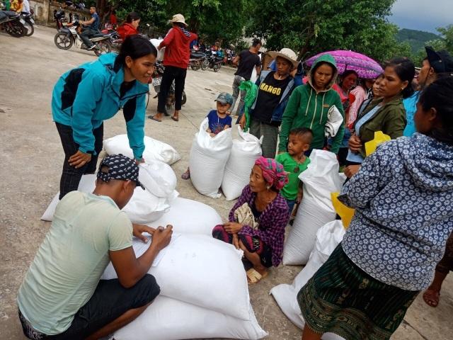 Phân bổ 1.000 tấn gạo cho người dân vùng lũ - 2