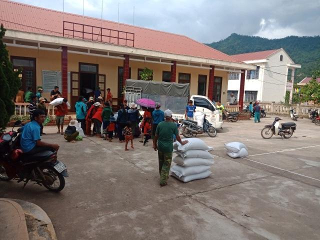 Phân bổ 1.000 tấn gạo cho người dân vùng lũ - 1