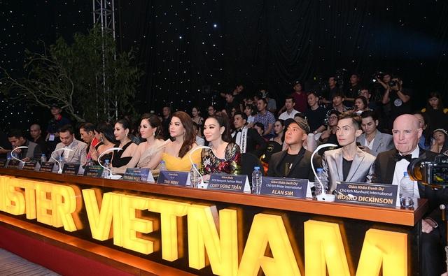 Quý ông Việt Nam 2019 gây sốc khi quyết định trao 2 giảiQuán quân - 1