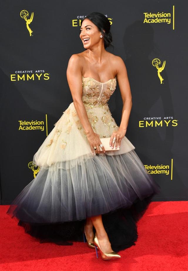Jonathan Van Ness mặc váy dự sự kiện - 10