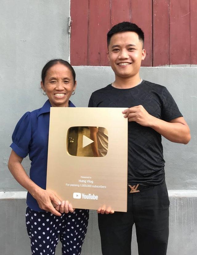 Bà Tân Vlog có thể kiếm 400 triệu đồng/tháng, hai con trai cũng là Youtuber thì sao? - 4