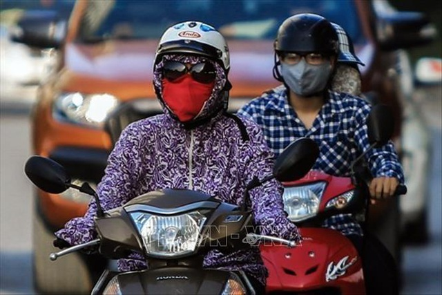 Không khí Hà Nội ô nhiễm ở mức nghiêm trọng - 7