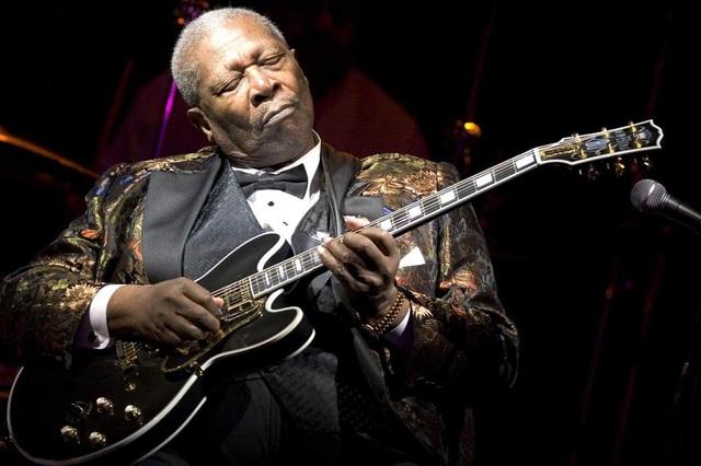 """Google Doodle vinh danh """"ông hoàng nhạc blues"""" B.B.King - 1"""