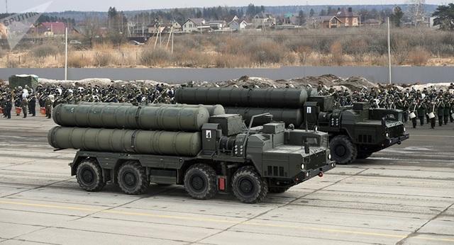 """Video Nga chuyển """"Rồng lửa"""" S-400 cho Thổ Nhĩ Kỳ bất chấp cảnh báo của Mỹ - 1"""