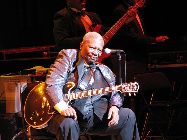 """Google Doodle vinh danh """"ông hoàng nhạc blues"""" B.B.King - 2"""