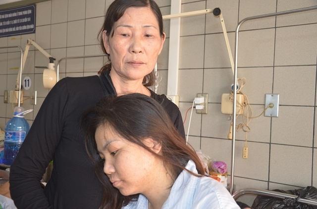 Người mẹ nghèo bất lực nhìn con gái chia quả thận để cứu em - 5