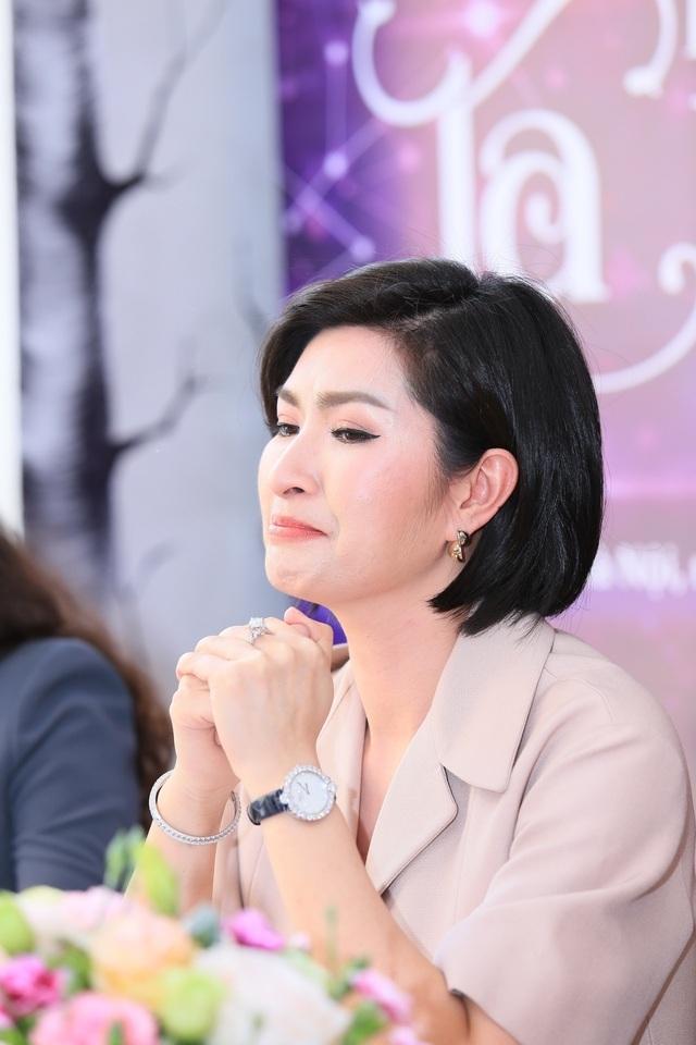 Nguyễn Hồng Nhung chia tay bạn trai Việt kiều sau 4 năm chung sống - 1